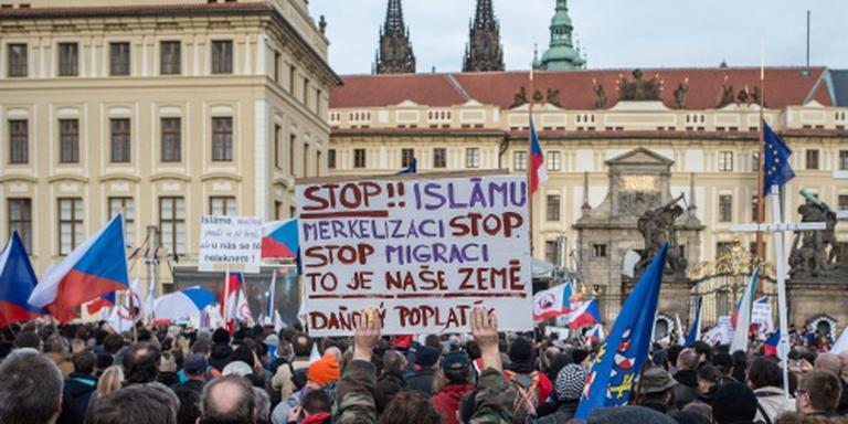 Pegida demonstreert voor 'vesting Europa'