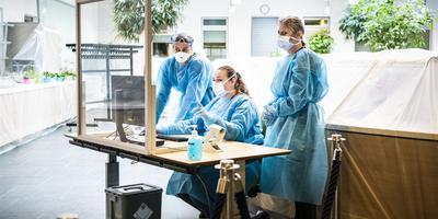 De corona-polikliniek bij het UMCG in Groningen.