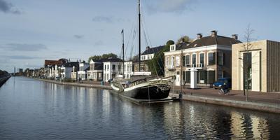 Verzet horeca tegen restaurantboot in Asser Vaart