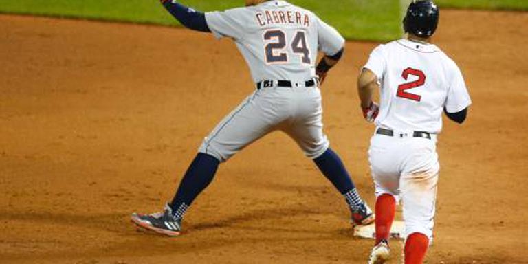 Armblessure zet Cabrera jaar buitenspel