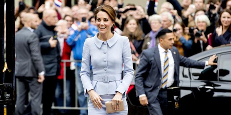 Britse Kate bezoekt koning en Mauritshuis