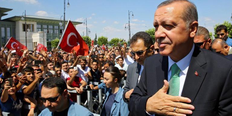 Turkije zet geestelijken uit functie