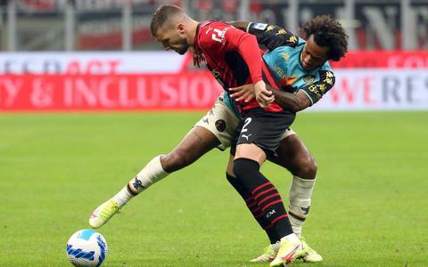 AC Milan wint van Venezia en staat weer naast Inter