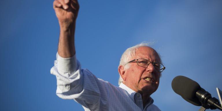 Sanders zet campagne op lager pitje