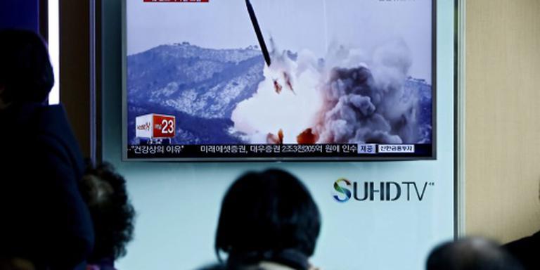 Noord-Korea schiet weer raketten in zee