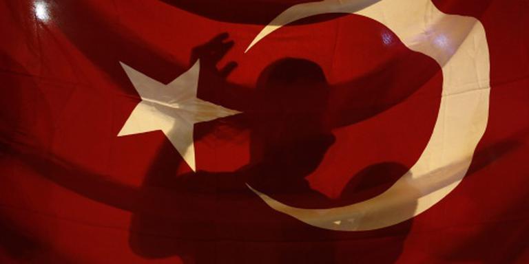 Onlusten na verwijderen burgemeesters Turkije