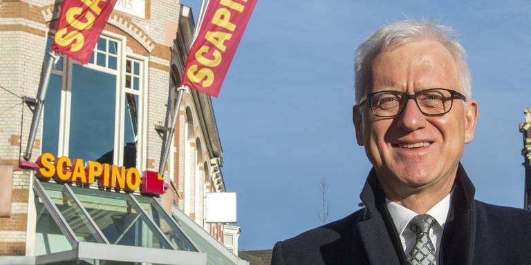 Henk Ziengs voor de vestiging van Scapino in Assen. Foto Scapino/Marcel de Jong
