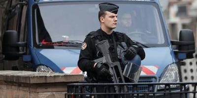 Schutter Straatsburg gewond op de vlucht