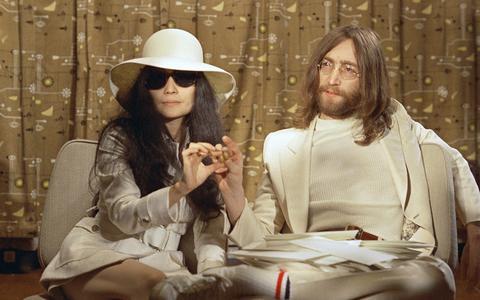 8 december 1980, de dag waarop John Lennon is vermoord door Mark Chapman. Een zwarte dag in de muziekgeschiedenis