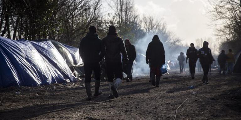 200 migranten bestormen Britse ferry Calais