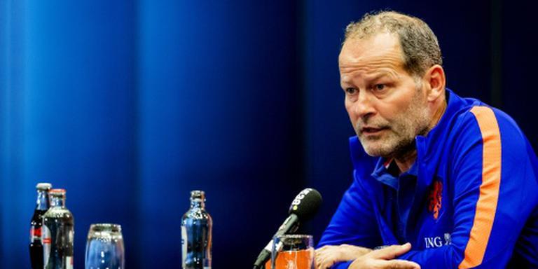 Blind verwijt Van Oostveen slechte timing