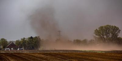 Zandstorm bij Westerwolde. Foto: Huisman Media