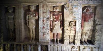 Egypte toont 'unieke graftombe' aan de wereld