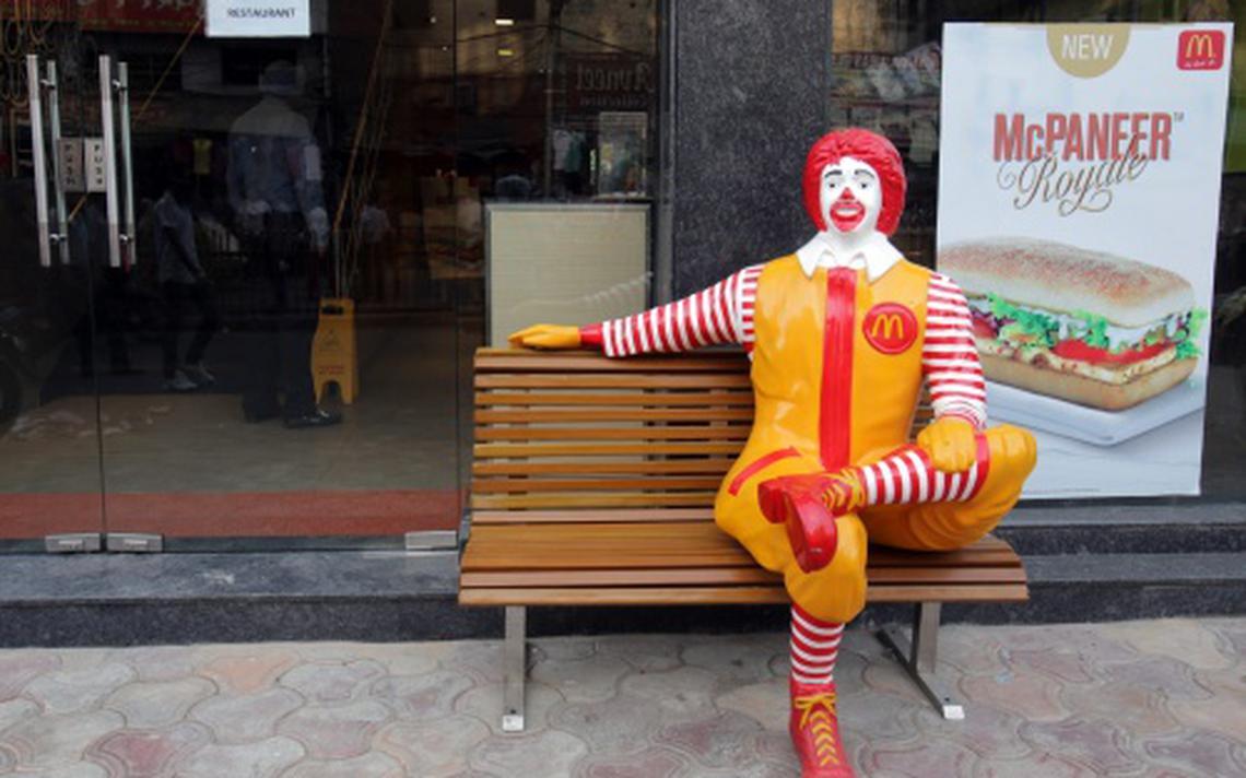 Mcdonald 39 s haalt clown uit openbaarheid buitenland for Clown almere