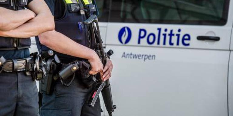 Politie België vindt onthoofd lichaam in auto
