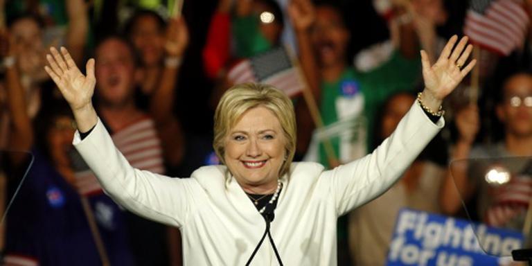 Clinton en Trump grote winnaars Super Tuesday