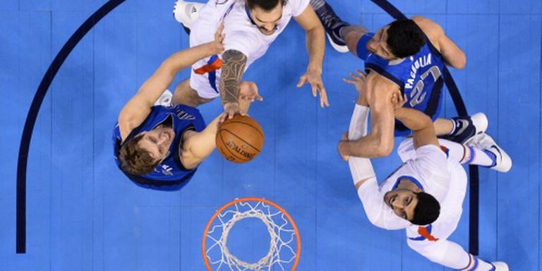 Oklahoma City Thunder rolt Mavericks op