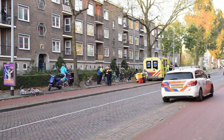Meisje gewond bij botsing met scooter aan de Korreweg.