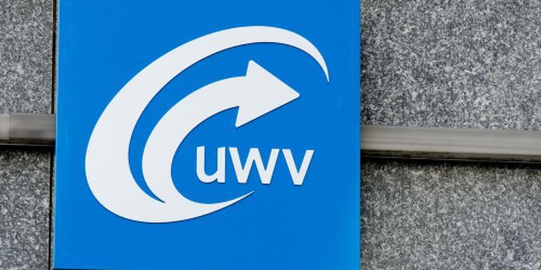 Asscher: extra keuringsartsen voor UWV