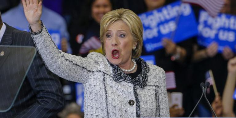 Clinton wint voorverkiezing South Carolina