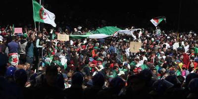 Weer grote betoging tegen Bouteflika