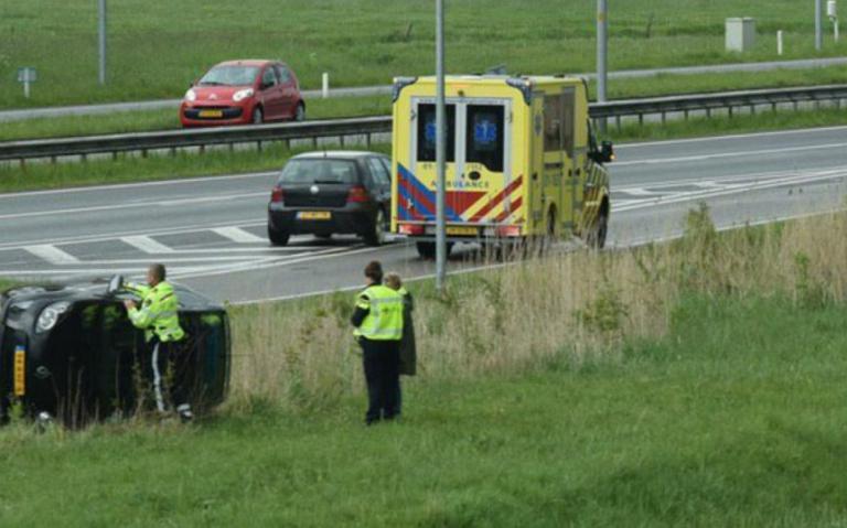 Afrit N370 van de noordelijke ringweg in Groningen dicht na ongeluk.