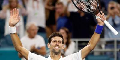 Djokovic met nodige moeite door in Miami