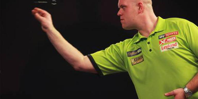 Van Gerwen klopt Whitlock in Premier League