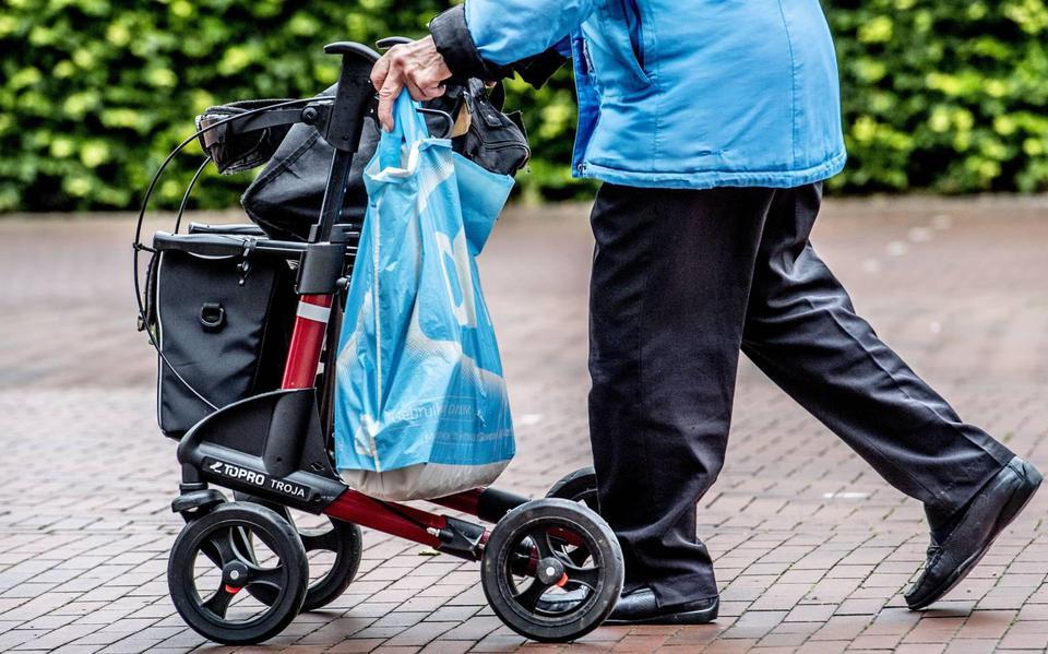 VeiligheidNL: zorgkosten valongelukken ouderen gaan verdubbelen.