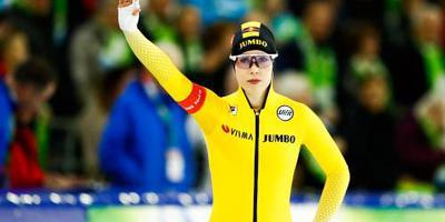 De Jong wint op NK allround in Thialf ook 3000 meter