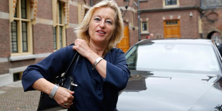 Minister: spot op vaklui achter coulissen
