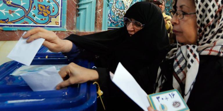 'Oerconservatieven winnen verkiezingen Iran'