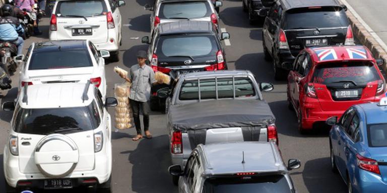 Keiharde porno langs de weg in Jakarta