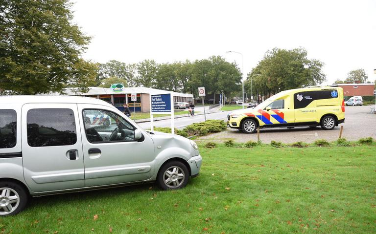 Fietsende vrouw gewond bij aanrijding op Statenweg in Emmen.