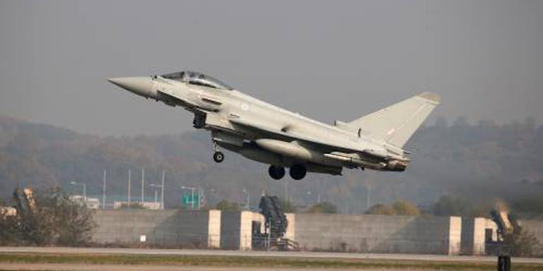 Britten reageren op Russische vliegtuig