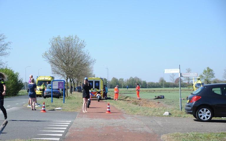 Motorrijder raakt gewond bij ongeval in Wildervank; weg tijdelijk afgesloten.