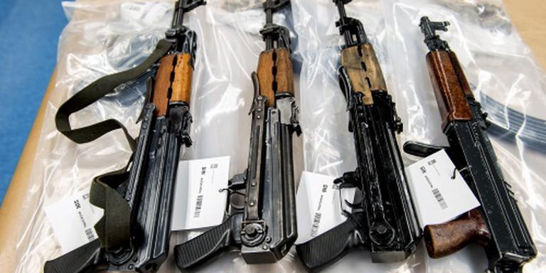 Wapens verkocht aan terroristen via Facebook