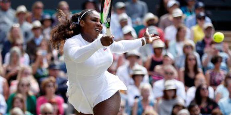 Serena Williams naar laatste vier op Wimbledon