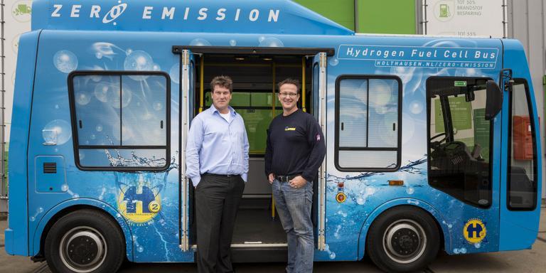 Holthausen met een door waterstofceltechniek aangedreven bus