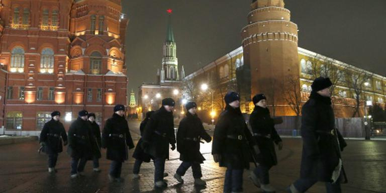 Twee stations Moskou ontruimd na bommelding