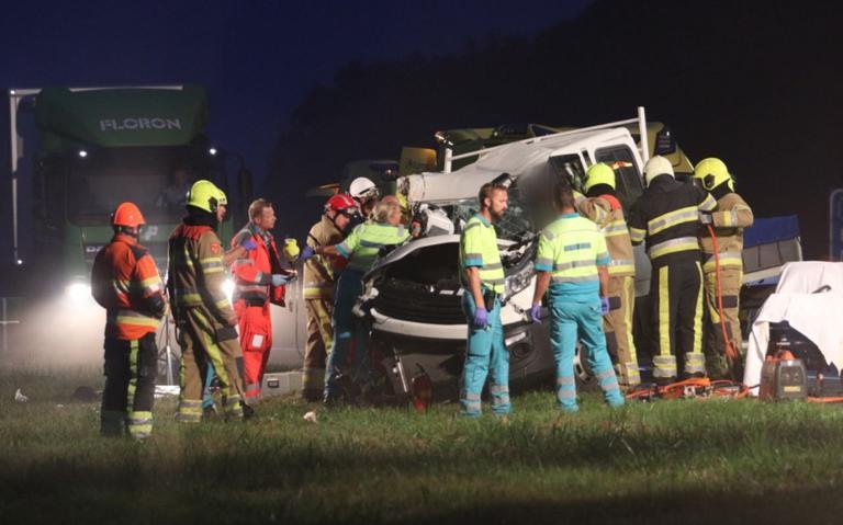 File op A7 richting Groningen na ernstig ongeluk bij Beetsterzwaag.