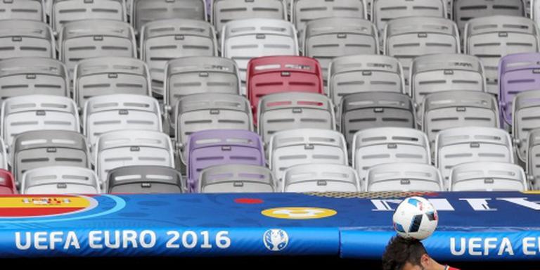 Stade de France even ontruimd na pakketje