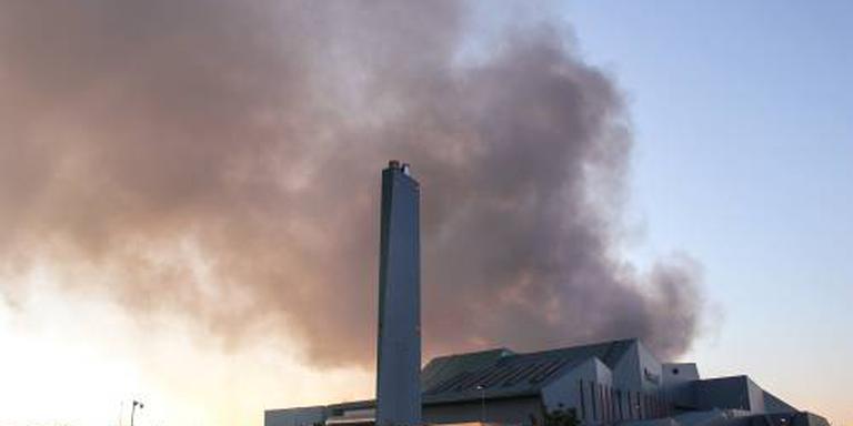 Afvalberg Hengelo blijft maar branden