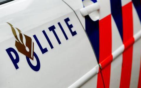 Politie achtervolgt scooters door Assen, twee personen zijn aangehouden