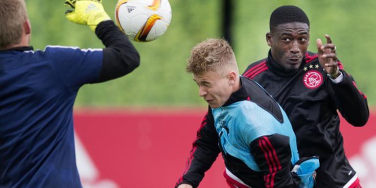 Charlton verlost Ajax van Sanogo