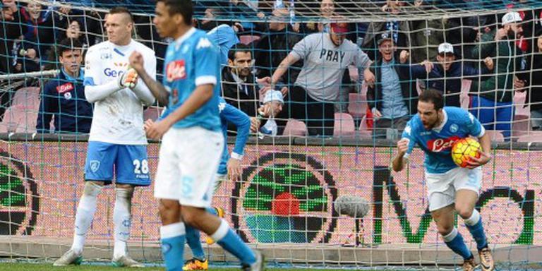 Napoli verdrijft Juventus weer van kop