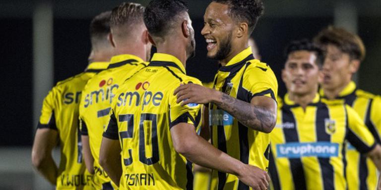 Vitesse bekert verder na doelpuntenfestijn