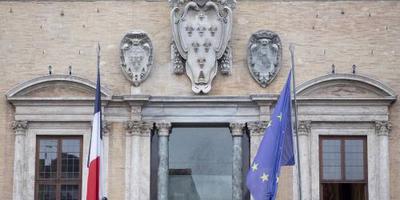 Parijs stuurt ambassadeur terug naar Italië