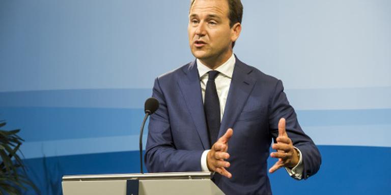 Minister: stevig gesprek met Turkse clubs