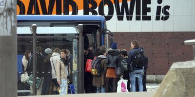 Snelle Eelde-bus voor Bowie-fans